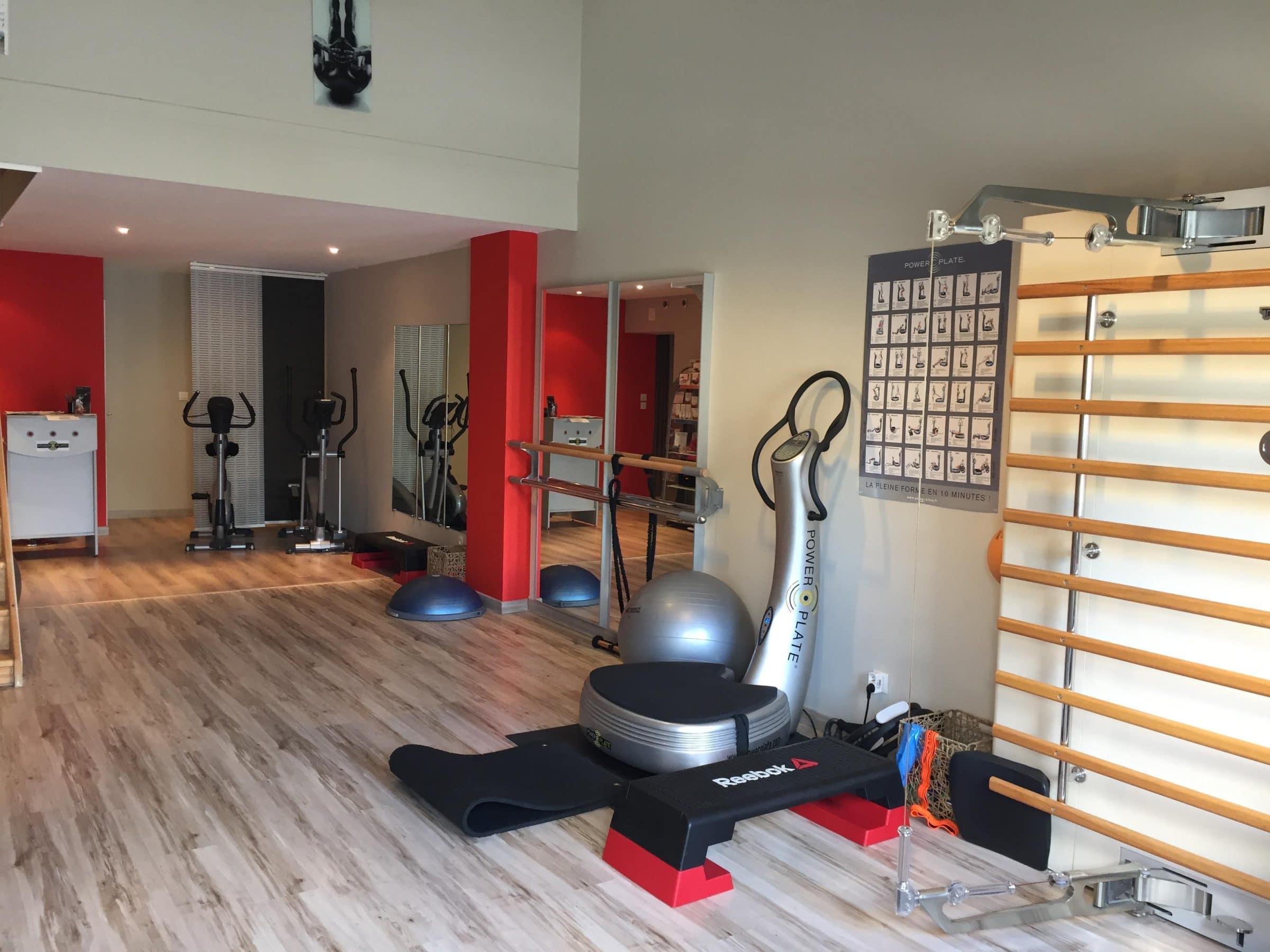 salle entièrement équipé pour des entraînements complet